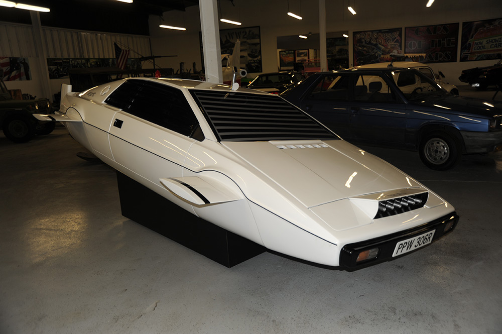 James Bond Lotus Espirit Submarine Car Selling for One Million Dollars!
